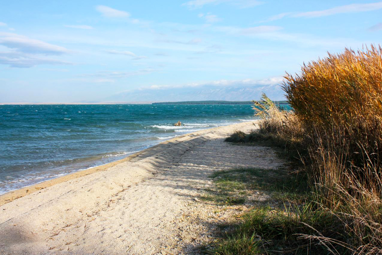 kraljičina plaža (queen's beach) nin